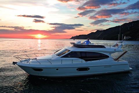 Ferretti Yachts, le novità in acqua al Salone di Genova ...
