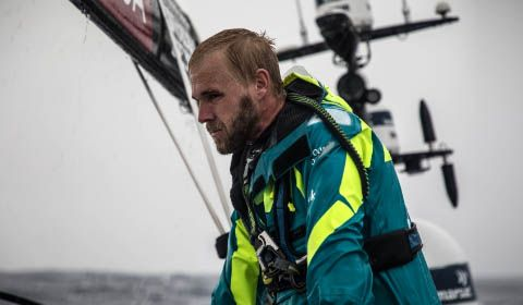 Volvo Ocean Race - Breakout - AkzoNobel and Scallywag take the lead