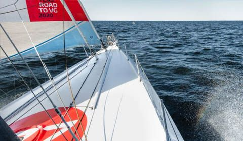 Route du Rhum - Early morning collision between Destremau and Huusela...