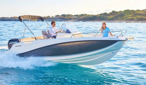 London Boat Show 2018 - Quicksilver Activ 605 Open wins Boat of the Year 2017 Award