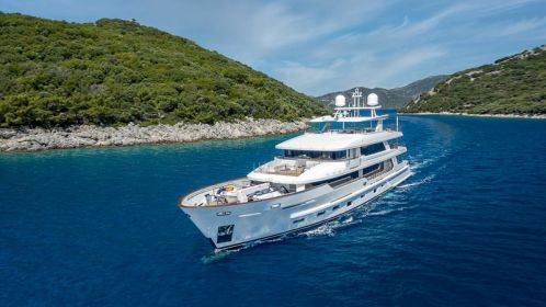 An inside look at the 43-Meter superyacht Sunrise