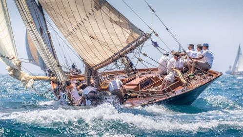 Outstanding sea and wind conditions on the first day of the Puig Vela Clàssica regatta
