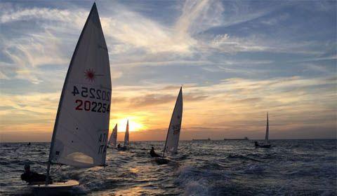 Navy singolare sito di incontri Interrazziale incontri Los Angeles
